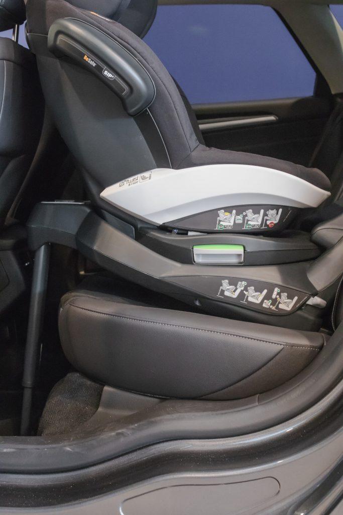BeSafe izi Twist B w Ford Mondeo