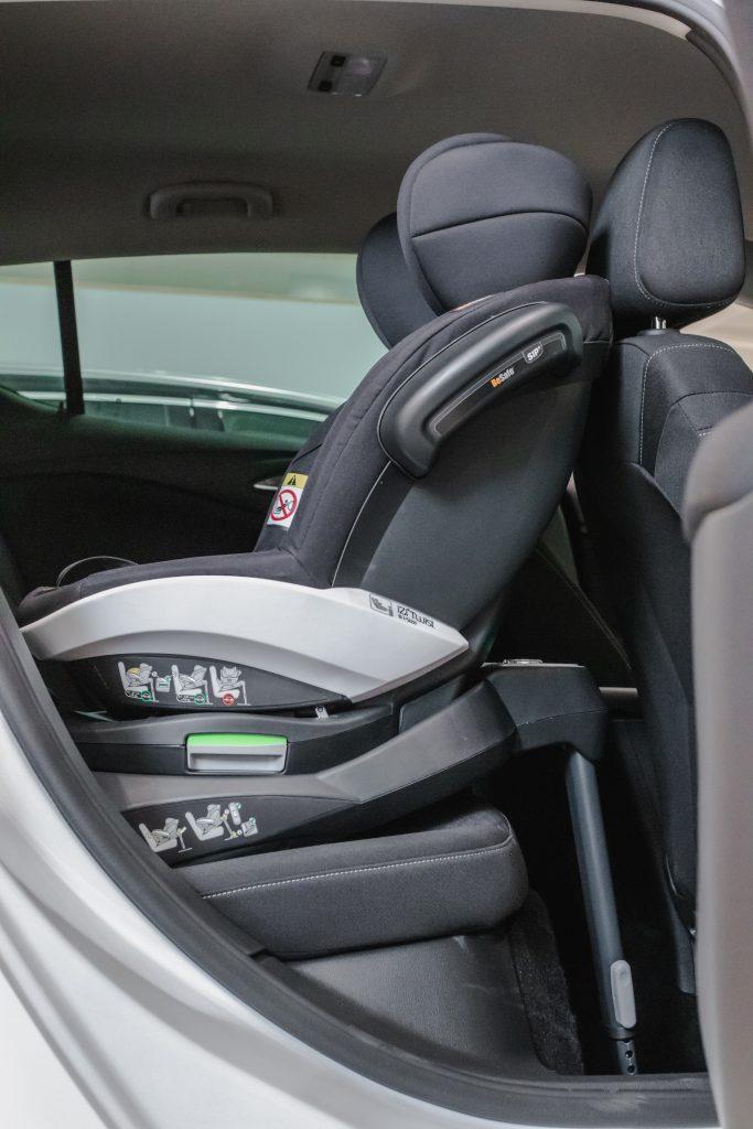 BeSafe izi Twist B w Opel Astra
